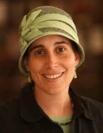 הרבנית שני טרגין, מלמדת קורסים בהדרכת כלות ובהלכות טהרת המשפחה ומראות